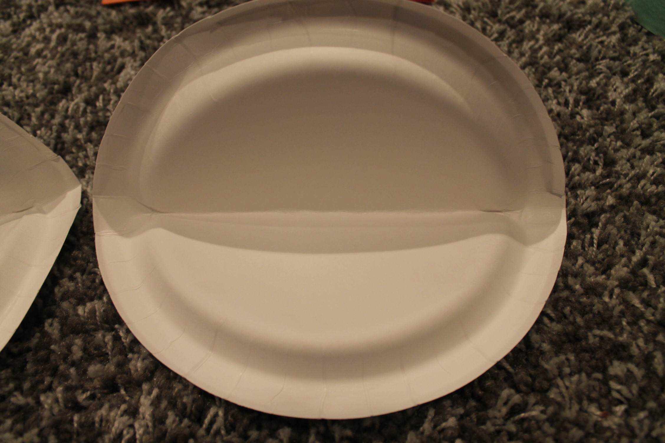 Cut the plate as shown below making the shape of the bottom and tops of mouth & Paper Plate Shark Jaws | momeefriendsli
