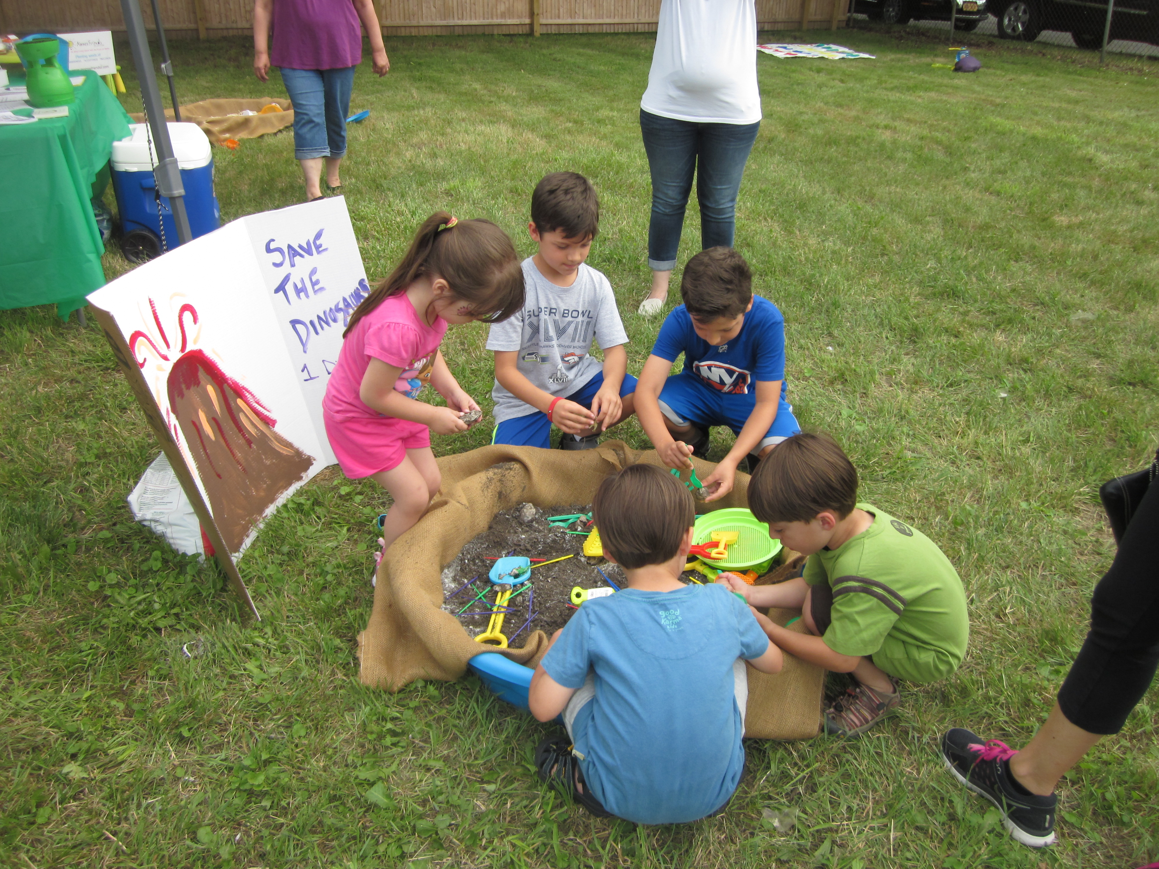 ... the kids look for the buried dinosaurs at our DINO-Myte Family Event