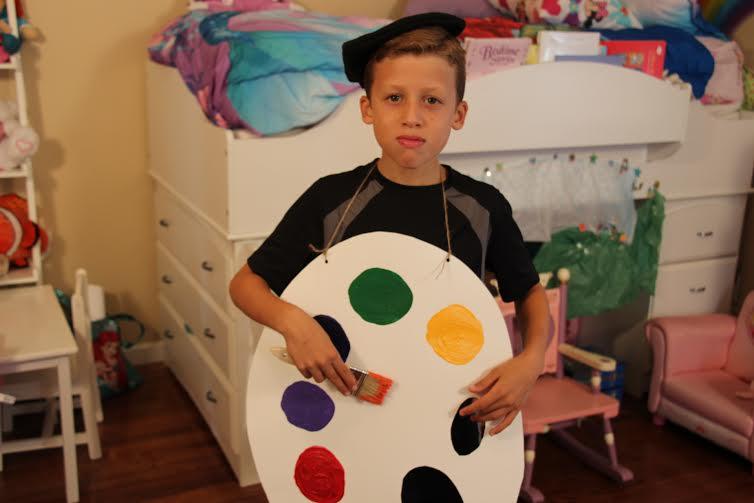Painter Costume  sc 1 st  momeefriendsli & DIY Halloween Costumes | momeefriendsli