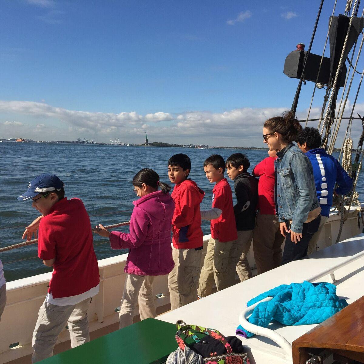 Day Sails & Charters: Sail Pioneer!   momeefriendsli
