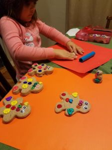 gingerbread-playdough-10