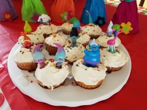 trolls-cupcakes