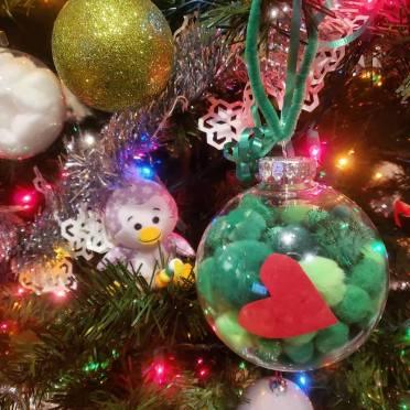 grinch ornament 1