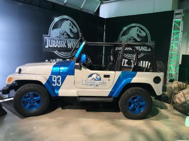 jurassic world live jeep 2